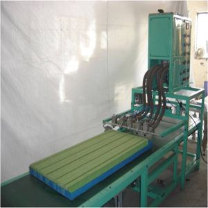 Hot Melt Applicator for Panel Pack Filter In Lakhimpur